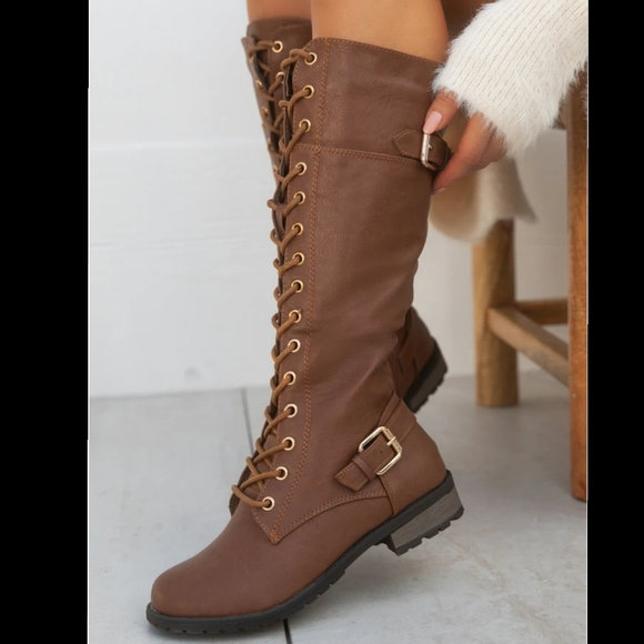 Just In! Minnie ankle combat  boots Conac color